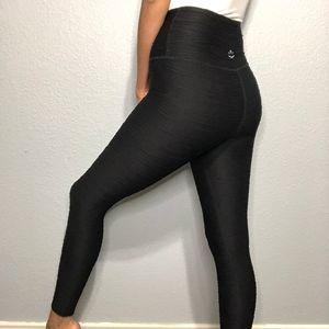Beyond Yoga high rise black textured leggings pant